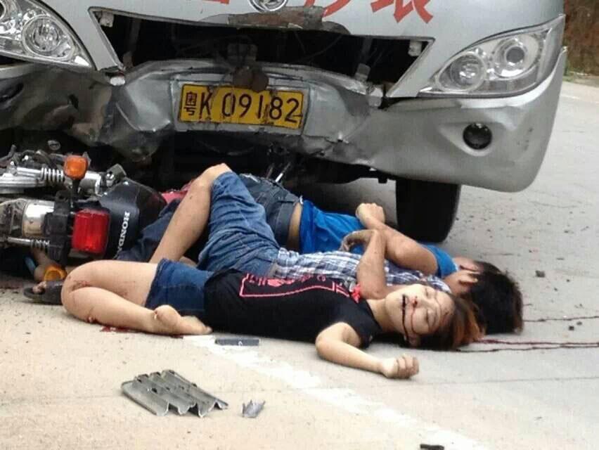 恐怖车祸图片